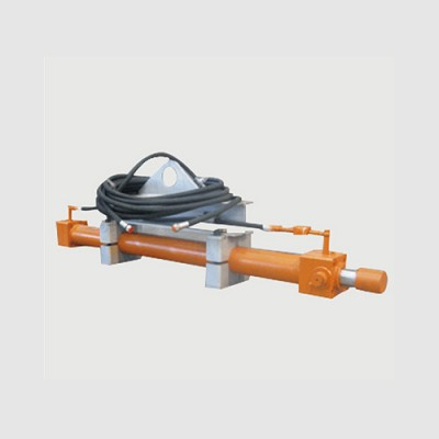 钢壳炉炉衬推出机构